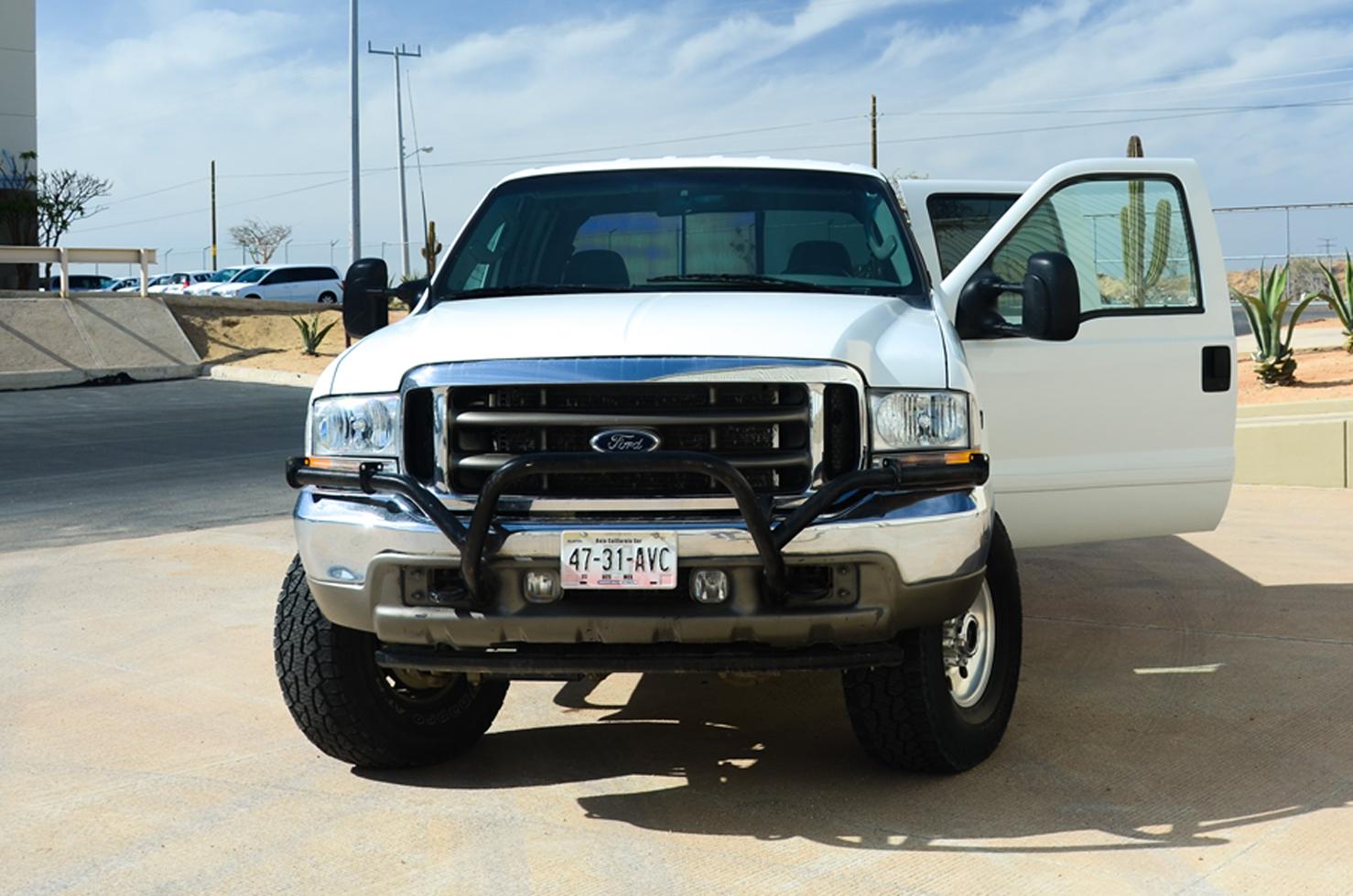 Ford Super Duty F250 4x4 (Pick Up de 4 Puerta's)
