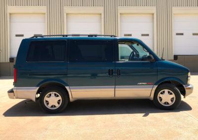 Chevrolet Astro Vans (8 Pasajeros)