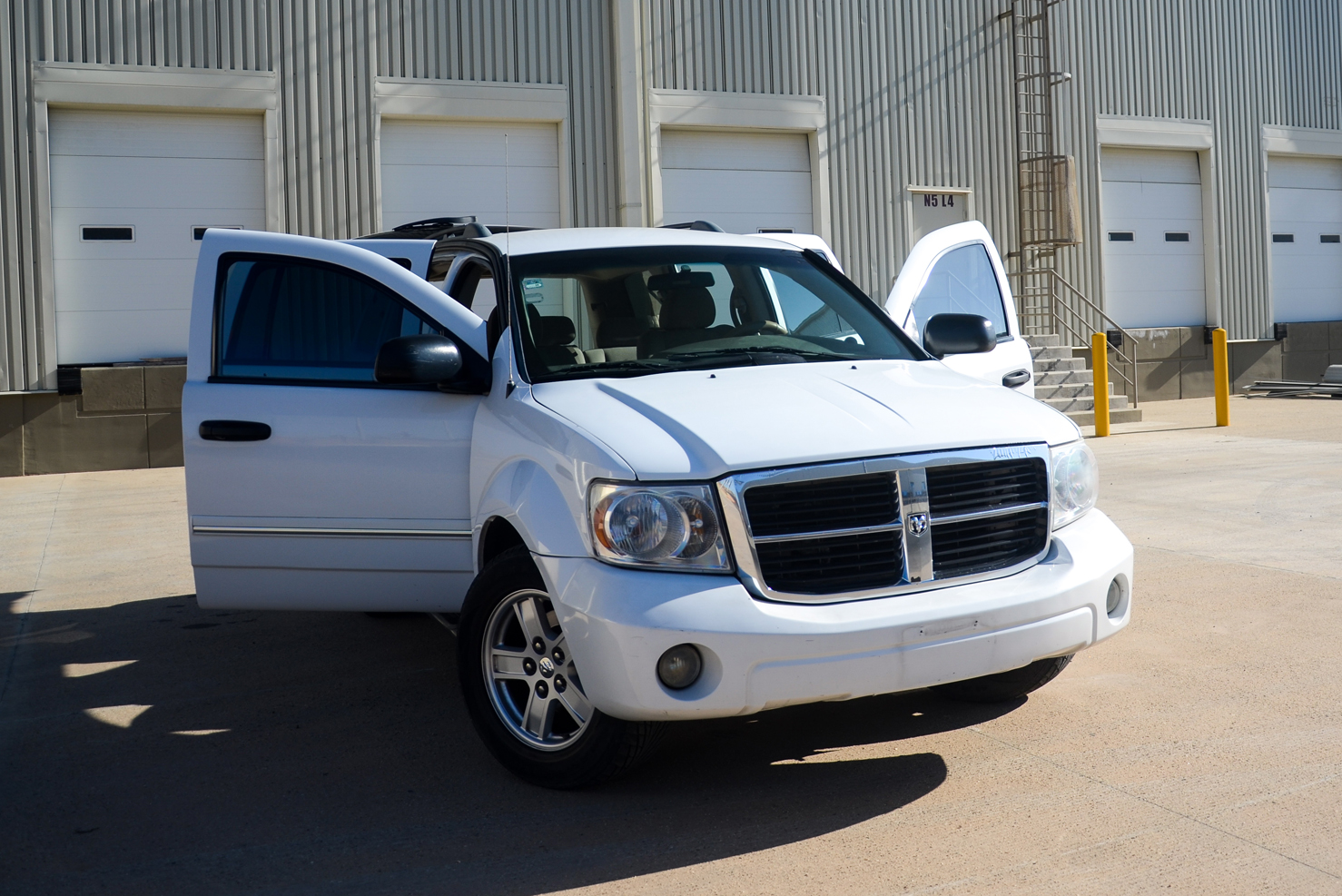 Dodge Durango   BBB Rent a Car