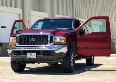 Ford Excursion 4X4 SUVs (Tamaño Completo)