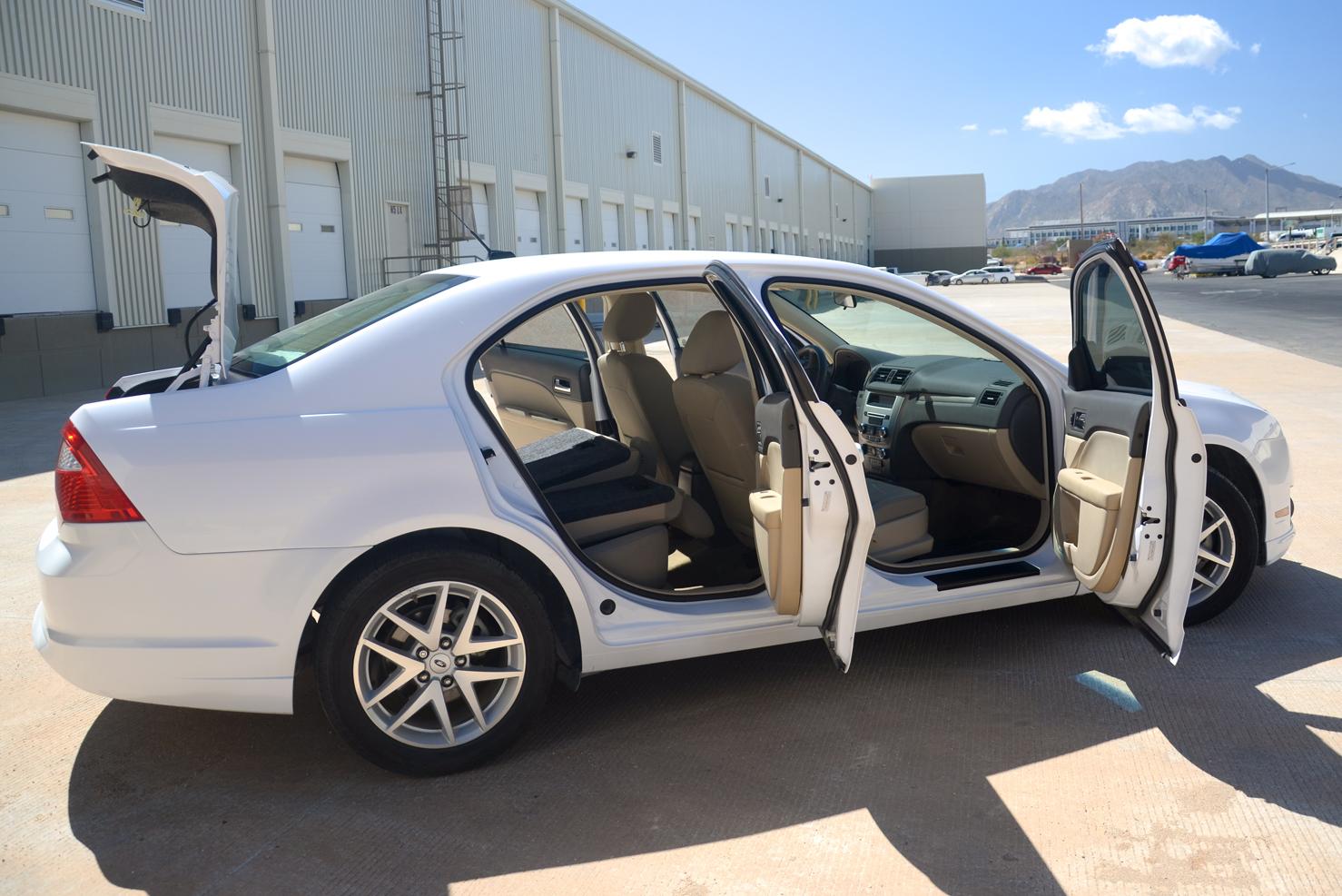 Ford Fusion (Sedanes Medianos de Lujo) | BBB Rent a Car Los Cabos
