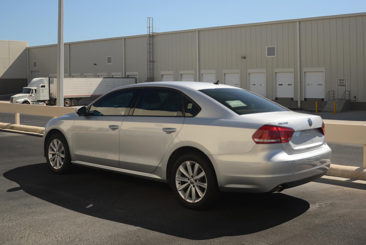 Volkswagen Passat (Sedanes Medianos de Lujo)