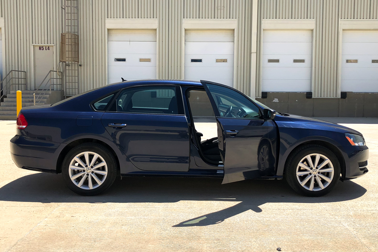 Volkswagen Passat (Sedanes Medianos de Lujo) | BBB Rent a Car