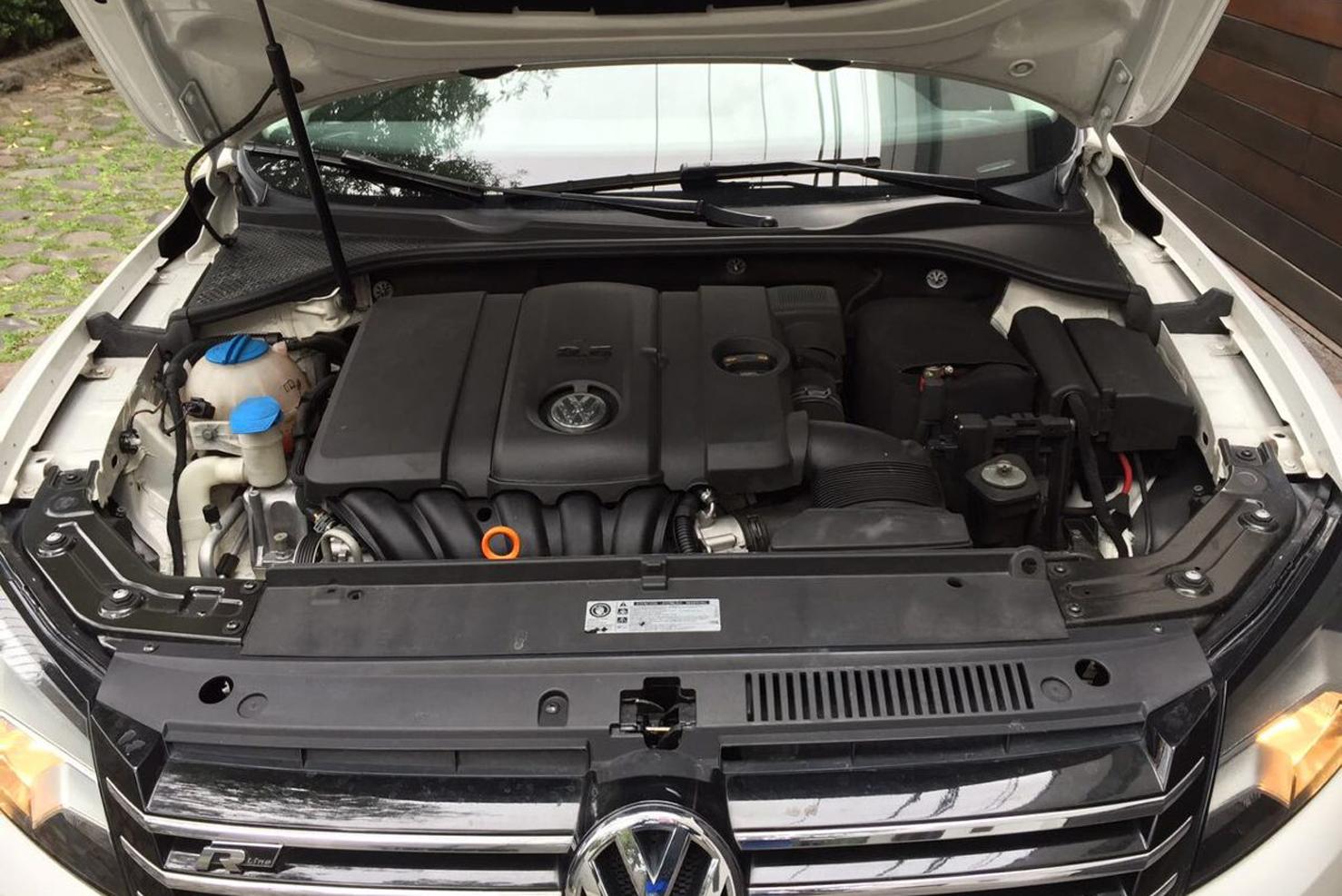 Volkswagen Passat Motor | BBB Rent a Car