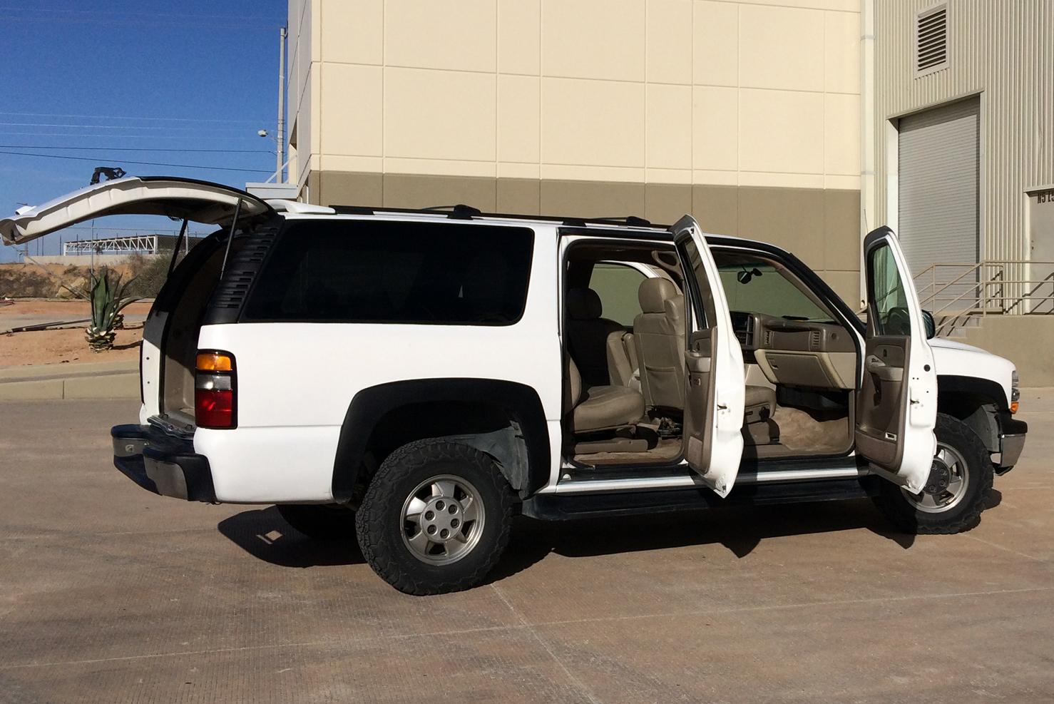 2WD Chevrolet Suburban (SUV para Actividades Recreativas) | BBB Rent A Car Los Cabos Mexico