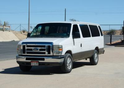 Ford E350 Super Duty Vans (12-15 Pasajeros)