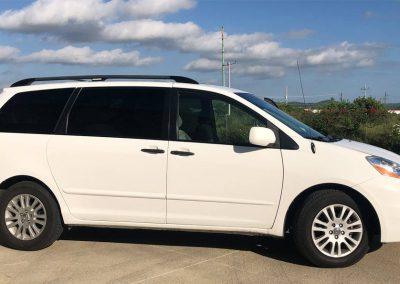 Toyota Sienna Van (8 pasajeros)