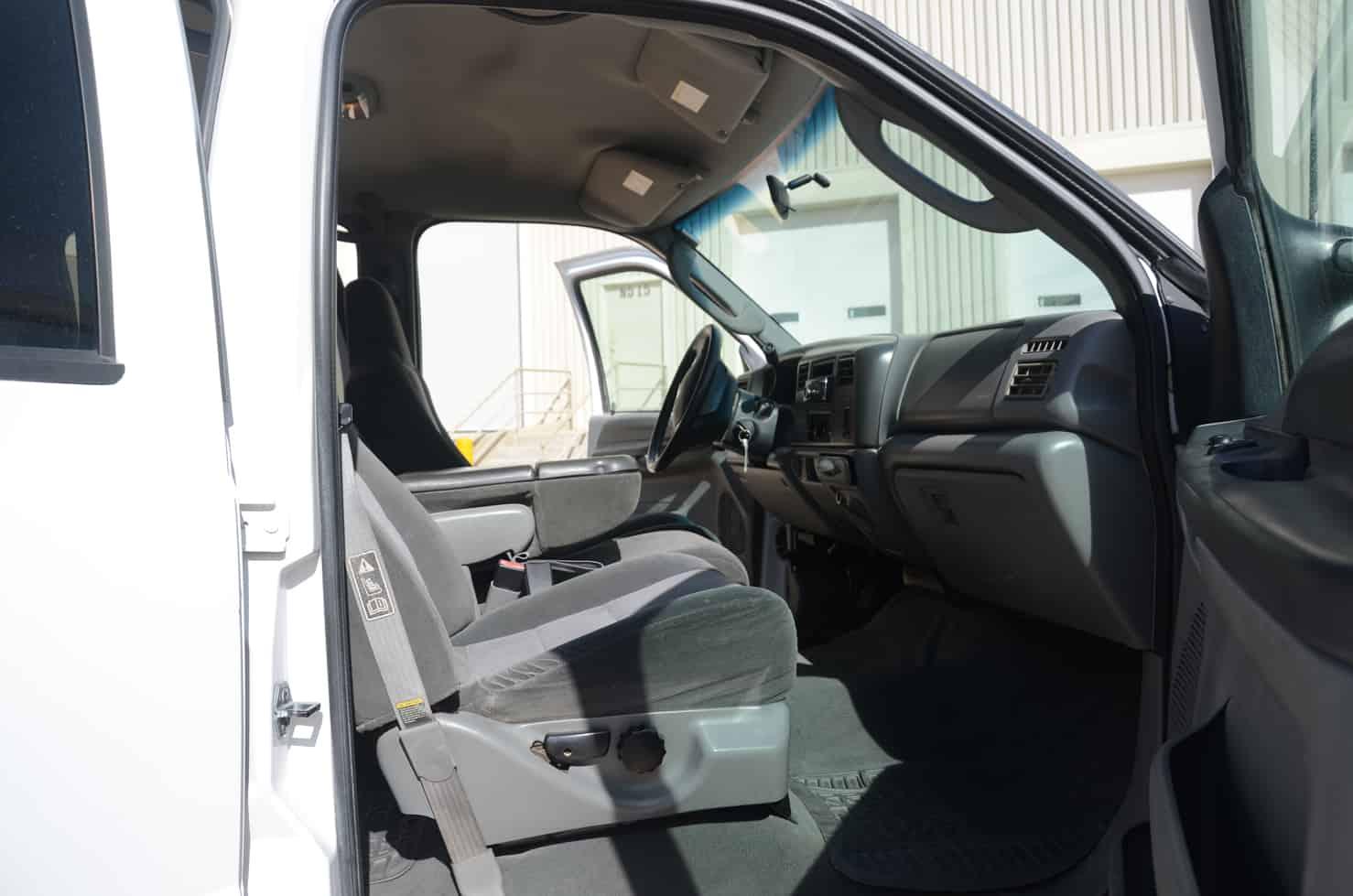 Ford F250 4-Door 4x4 Pickup • BBB Rent A Car
