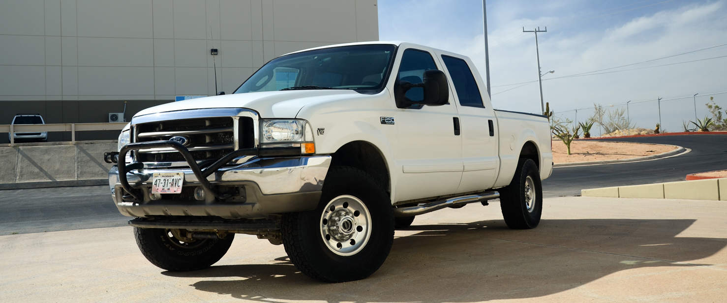 Ford Super Duty F250 4x4 4 Door Pickup