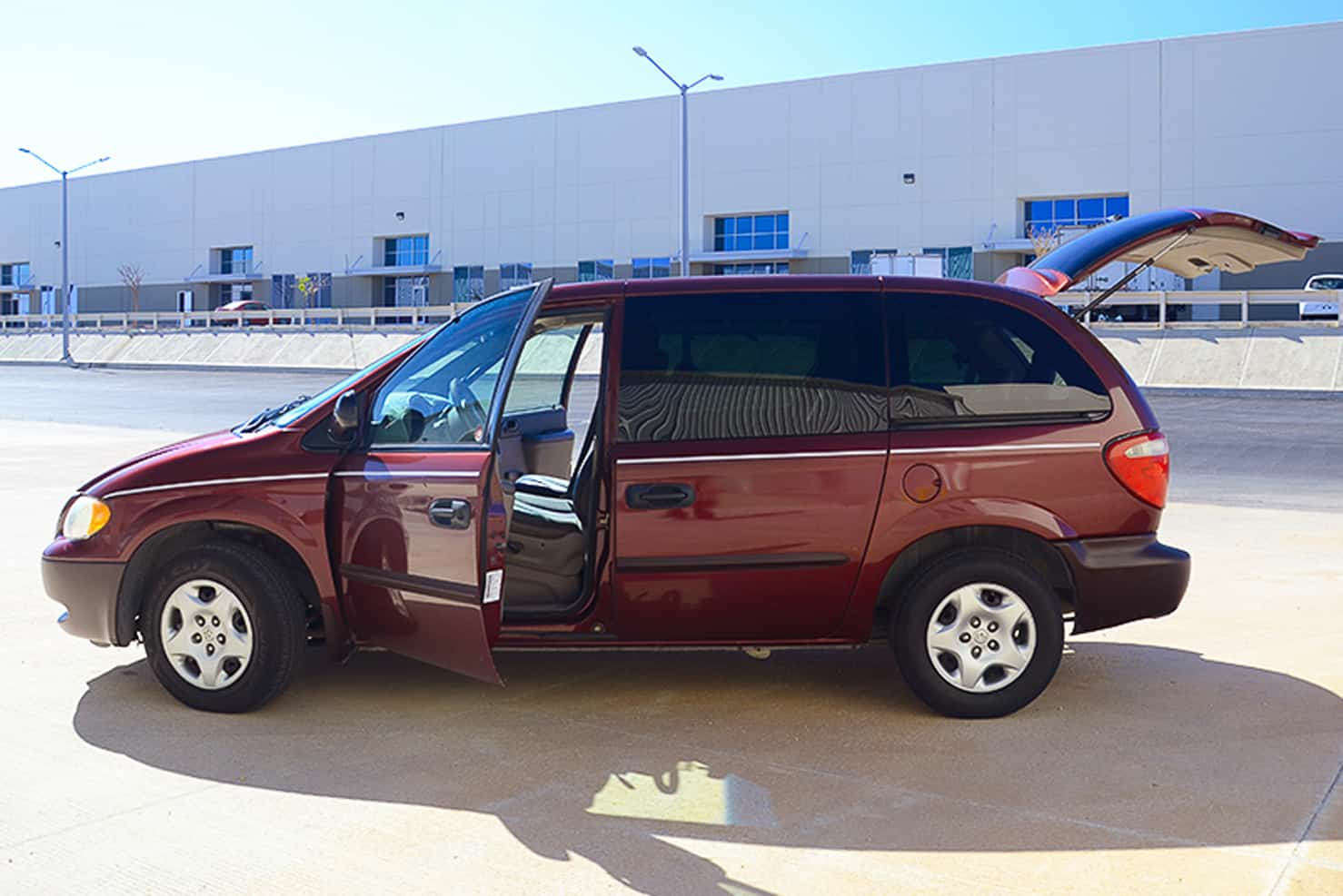 Dodge Caravan | BBB Rent a Car