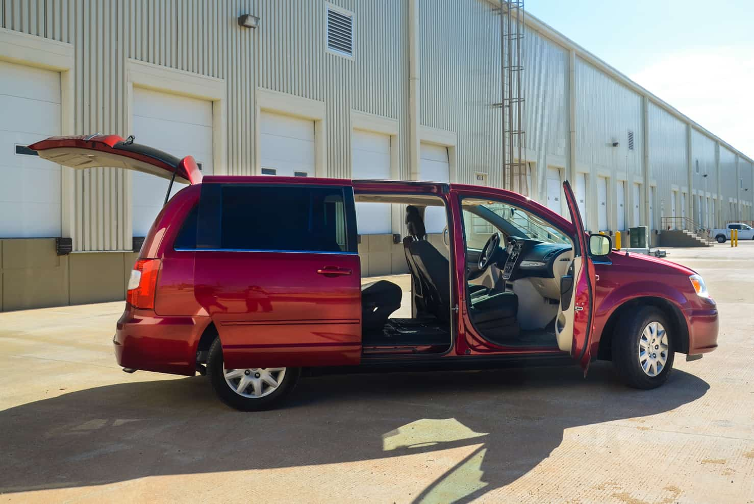 Chrysler Town & Country Family Van • BBB Rent a Car Los Cabos