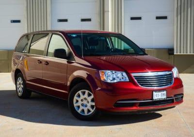Chrysler Town & Country Vans (7 Passengers)