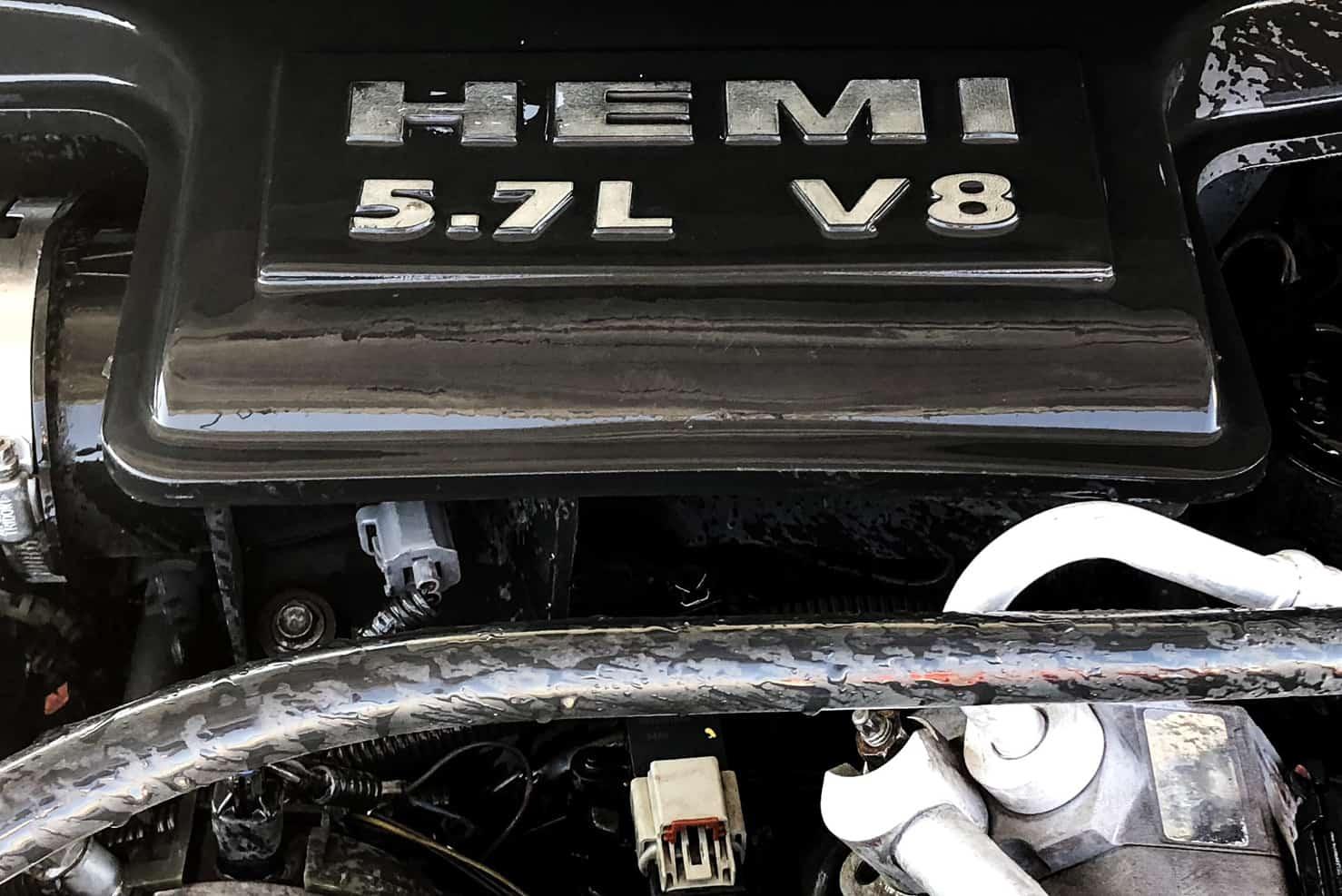 HEMI® 5.7 Liter V8 | Dodge Durango | BBB Rent a Car