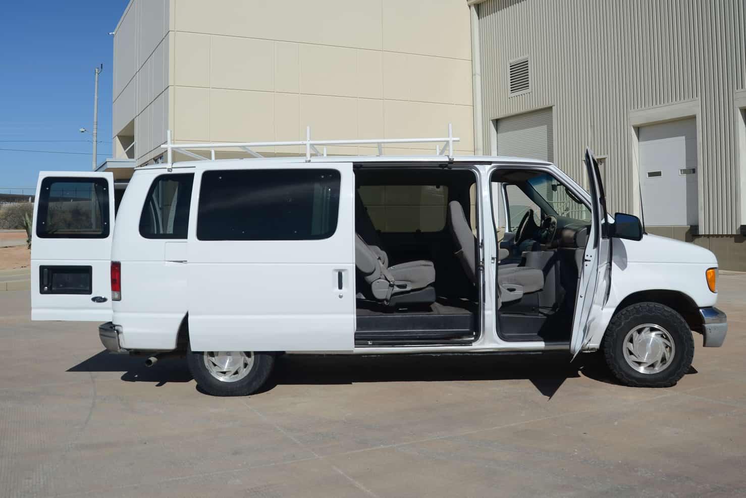 Ford Van E150 • Surf Van | Los Cabos, Mexico