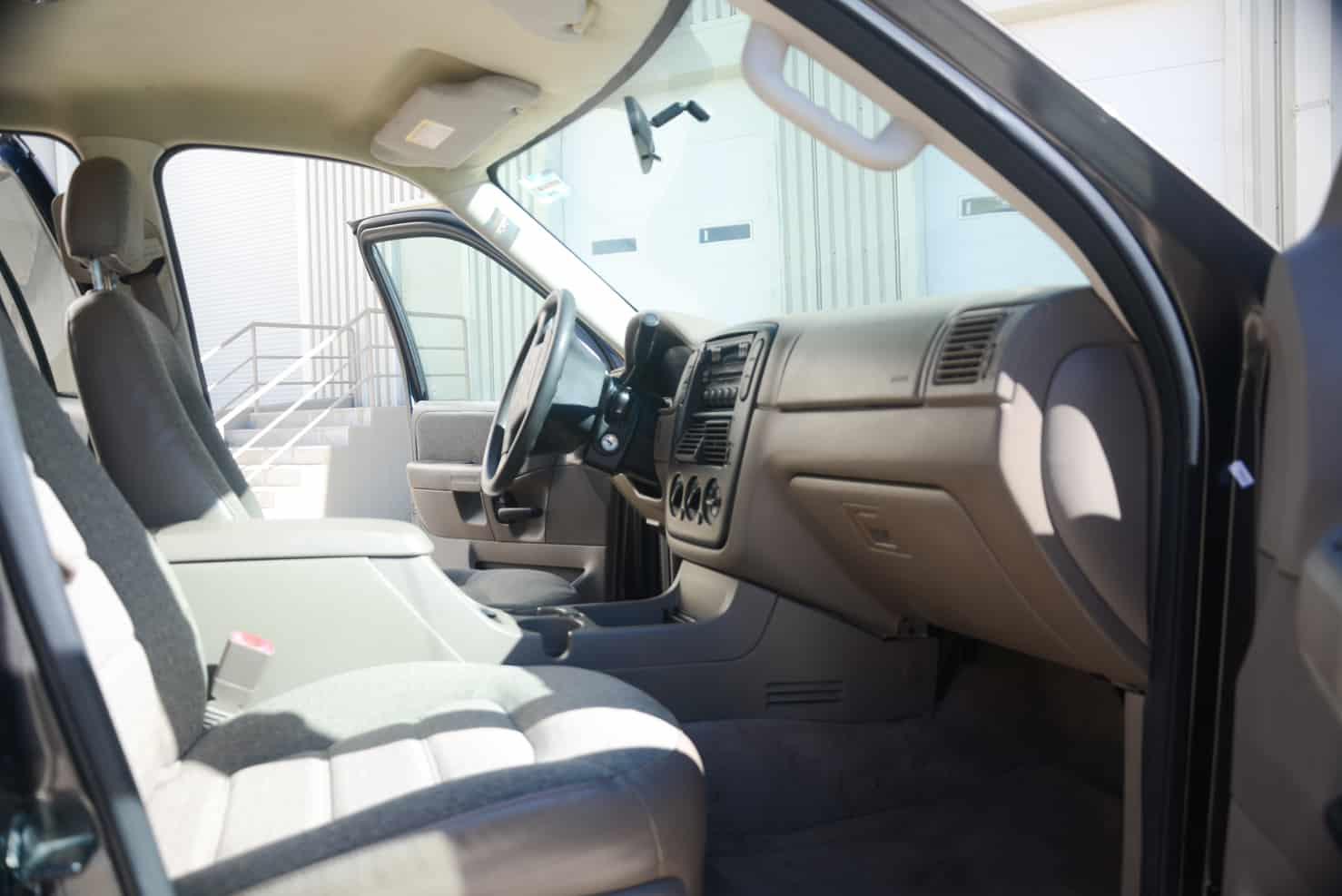 Ford Explorer Interior • BBB Rent a Car