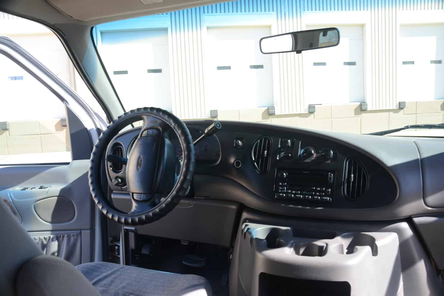 Ford Super Duty Vans 12 to 15 Passengers | Dashboard