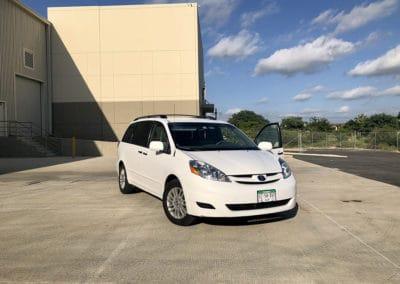 Toyota Sienna Van (8 passengers)
